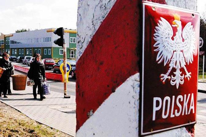 На границе с Польшей ужасные очереди