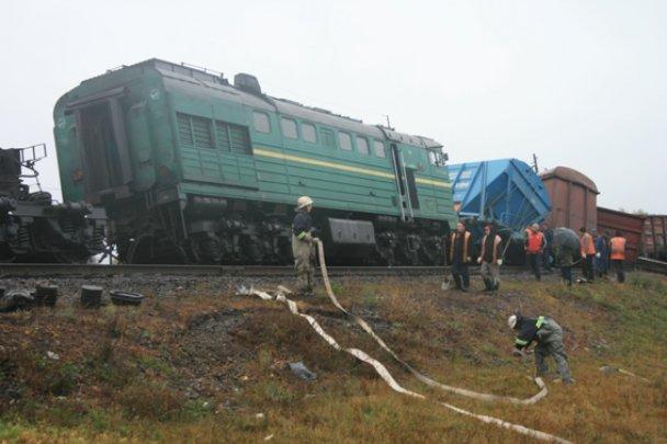 Светлая память! Поезд внезапно перевернулся, погибших почти сотня: эмоциональным не видеть
