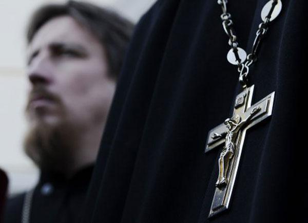 Резонансная новость: пьяный священник сбил трех женщин (фото)