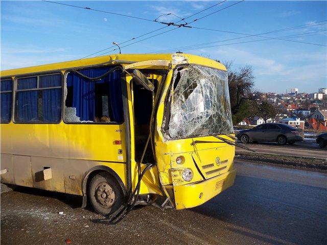 Львовская маршрутка попали в ужасное ДТП: последствия впечатляют