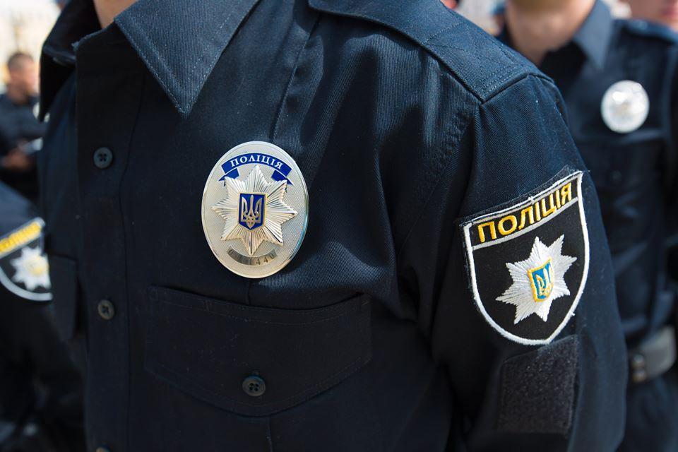 На Львовщине  полиция применила оружие, чтобы остановить двоих подростков, которые похитили автомобиль