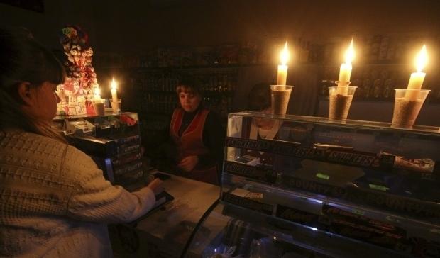 Без благ цивилизации: крымчанам в который раз отключат свет
