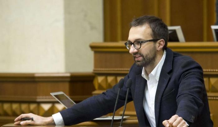 Лещенко обвинил Банковую в сделках с олигархами