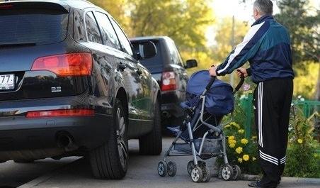 Возмущенный пешеход наказал очередного «героя парковки»