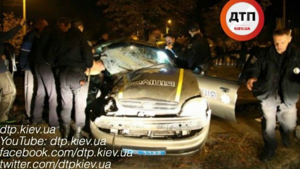 Ужасная авария с полицейскими под Киевом: двое погибли