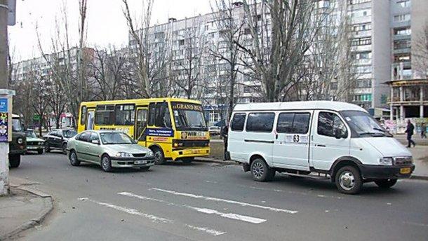 Водитель маршрутки избил подростка