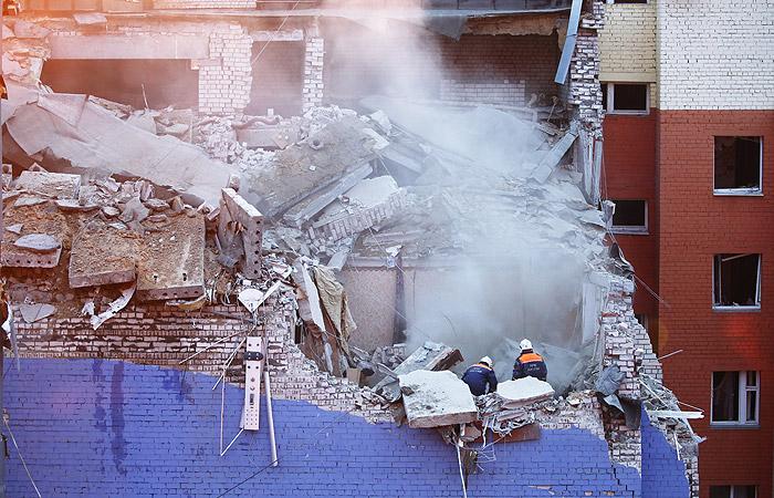 В сети появилось видео момента смертельного взрыва с обрушением дома в Рязани (видео)