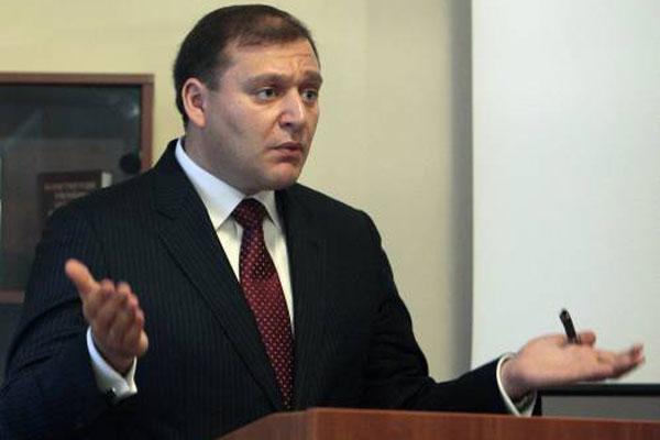 Добкин задекларировал арсенал оружия и вместе с братом одолжил 20 миллионов