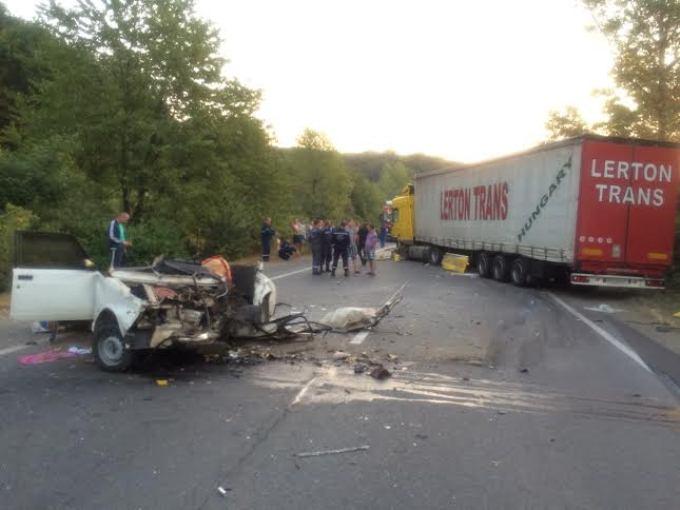Трагическое ДТП во Львове: от машин мало чего осталось, пострадавшим можно лишь посочувствовать (фото пугают)