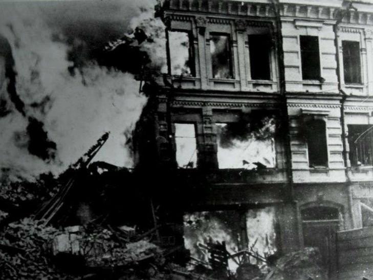 Как чиновники Кличко «замалчивали» уничтожение старого Дома с ромашками