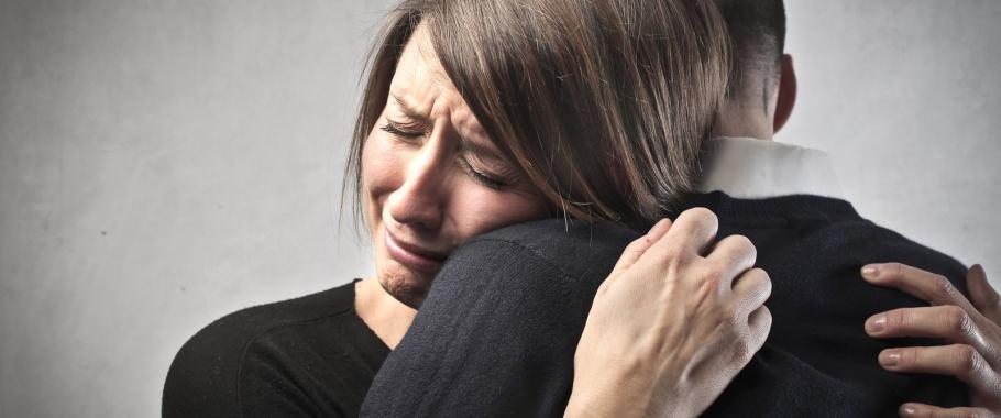 Девушке нужна была срочная помощь, но врач отказал ей, вот что с ней случилось…