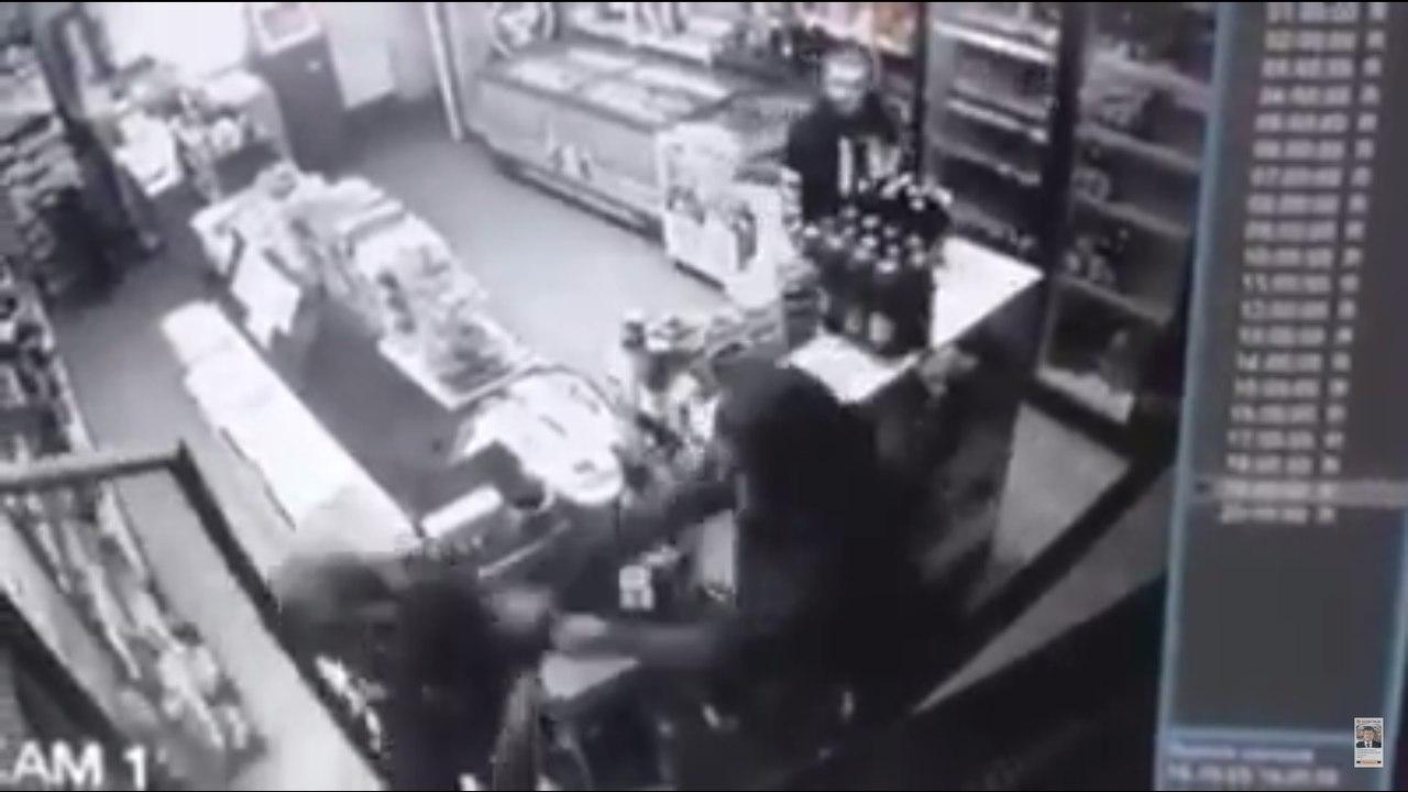 Двое львовских мужчин избили кирпичом молодую женщину ради кражи алкоголя