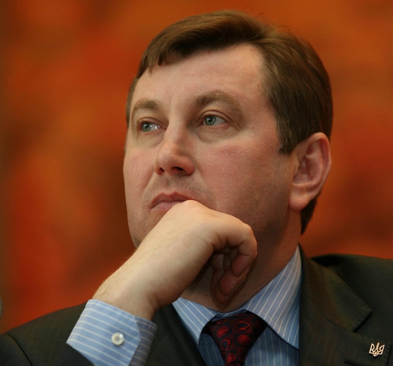 Владимир Бондарь облагает лесхозы данью – сумма отката 300 миллионов