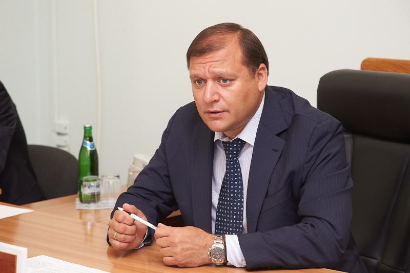 Дочь украинского депутата похвасталась сумочкой за всего лишь за 1 300 долларов