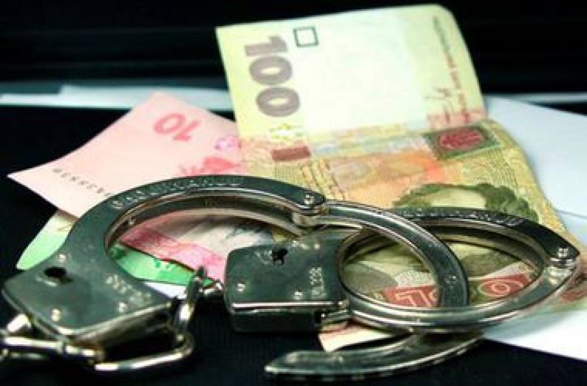 Из автомобиля в Киеве украли рюкзак со 180 тыс. гривен (фото)