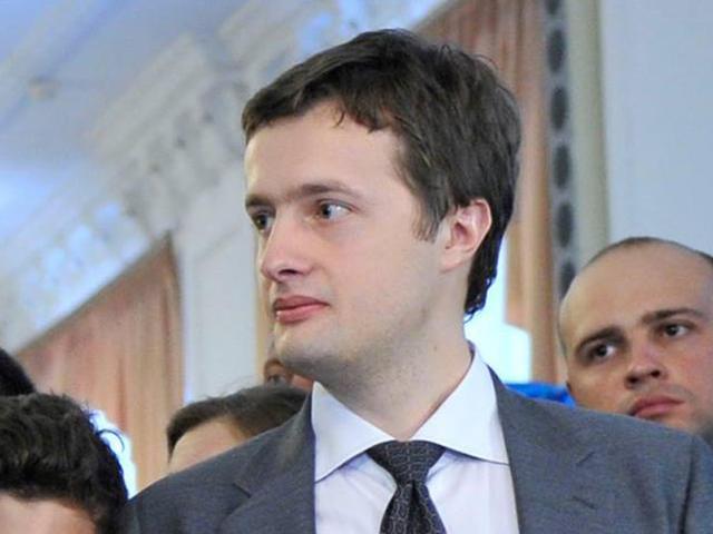 Декларация сына Порошенко: Офис, квартира, автомобили и 141 тыс. долл. «налички»