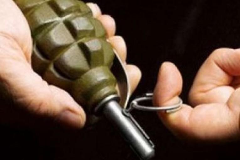 Ребенок принес домой гранату и подорвал своих сестер: родители в слезах