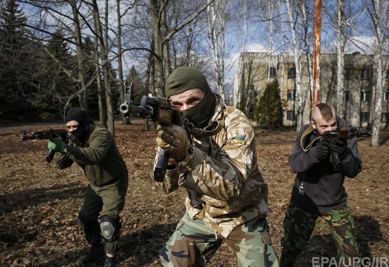 Мазур и Кришталь: опасные крымчане в цитадели добровольческого движения Украины