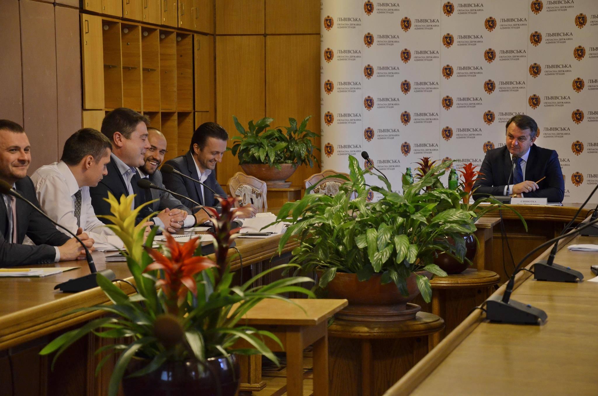 Какие «несчастные» пельмени едят депутаты и чиновники во Львове (ФОТО)