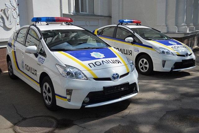 Патрульная полиция разбила стекло за отказ водителя выйти из автомобиля (ВИДЕО)