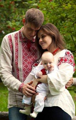 oleg-tyagnibok-pokazal-zyatya-detey-i-4-mesyachnuyu-vnuchku_1