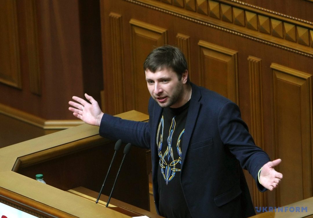 Парасюк на заседании антикоррупционного комитета возмутился, что СМИ снимали его телефон