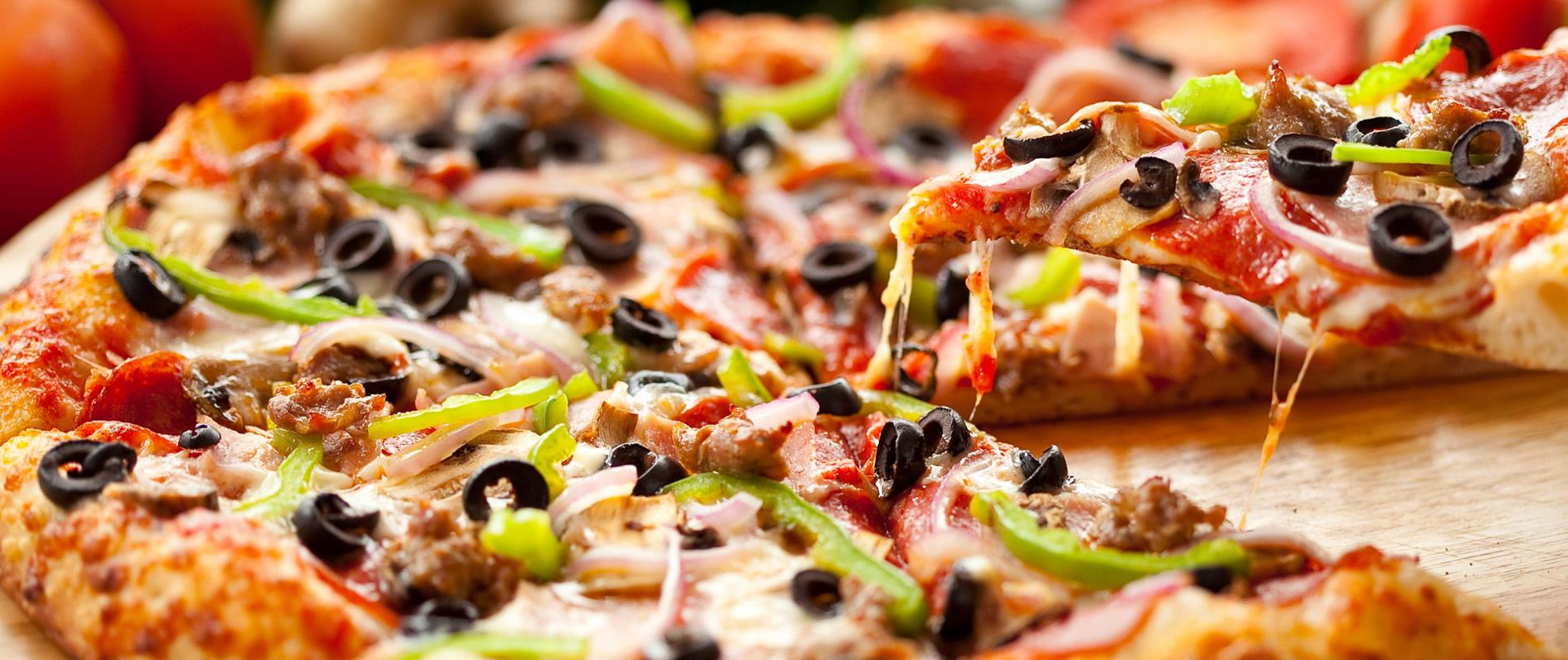 К пицце — сочный таракан и свеженькая землица