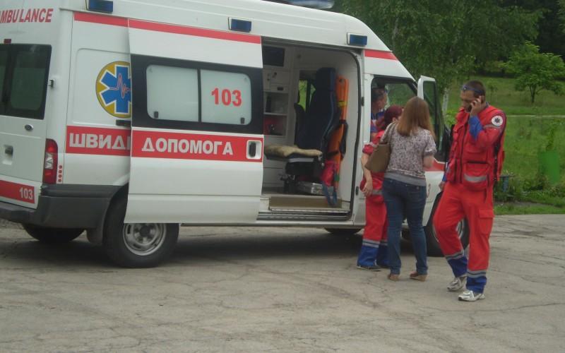 Украинского депутата жестоко избили прямо посреди зала — такого еще мир не видел (фото)