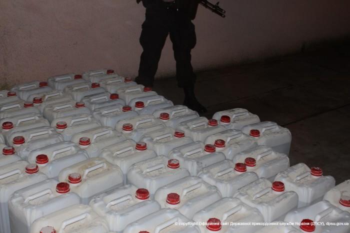 18 тонн контрафактного спирта изъяли в Луцке