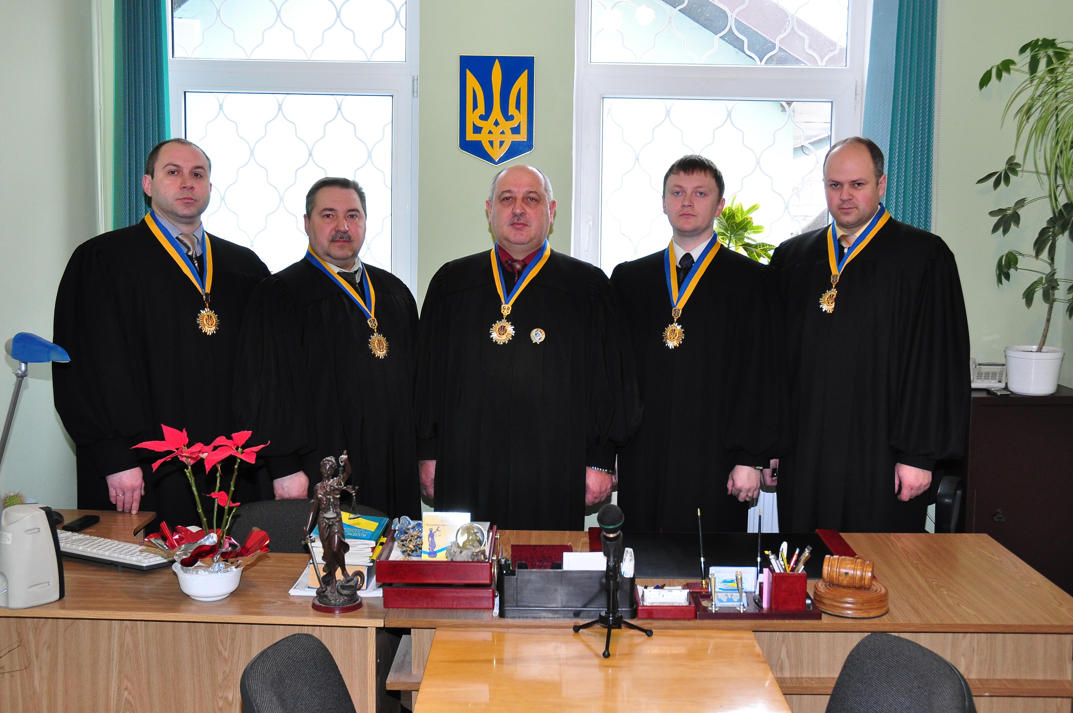 Уволенные судьи начали возвращаться