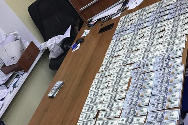 Клюет: следователю ГПУ предложили $30 тысяч с «просьбой» вернуть 200 кг янтаря