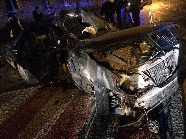 Жуткое ДТП на Львовщине, от удара машина разлетелась на куски: девочка скончалась на месте (фото 18+)