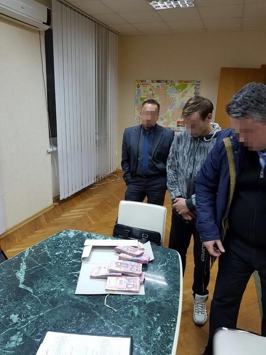 Заместитель мэра Славянска «погорел» на многотысячной взятке