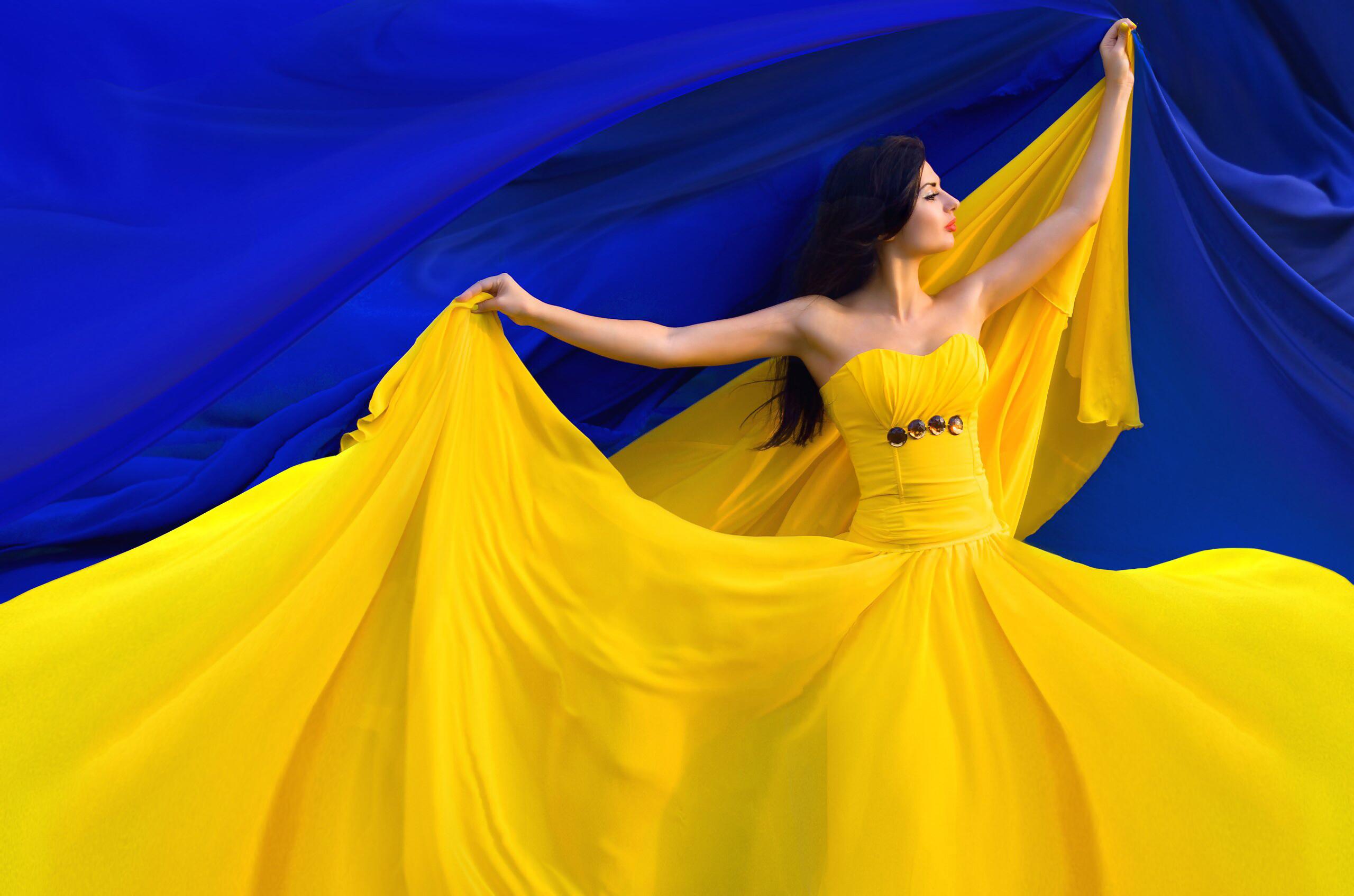 Такие у нас патриоты: «Наш флаг — желто-голубая тряпка». Кто это сказал? Это вас удивит!