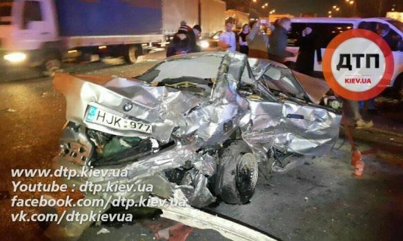Жуткое ДТП в Киеве: авария завершилась страшной смертью. Есть ФОТО и ВИДЕО
