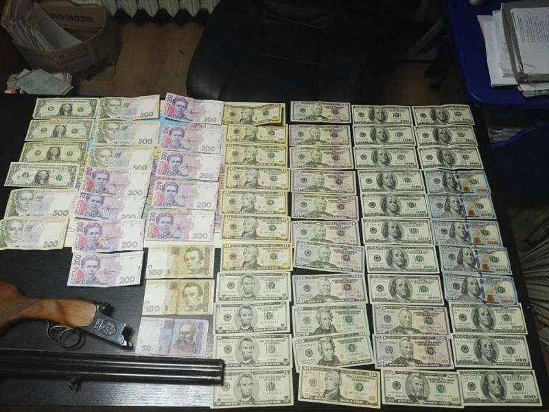 В Одессе на взятке задержали полицейского
