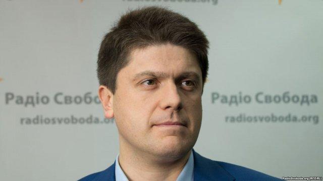 Нардепу БПП запретили выезжать из Украины из-за долга в 371 млн грн