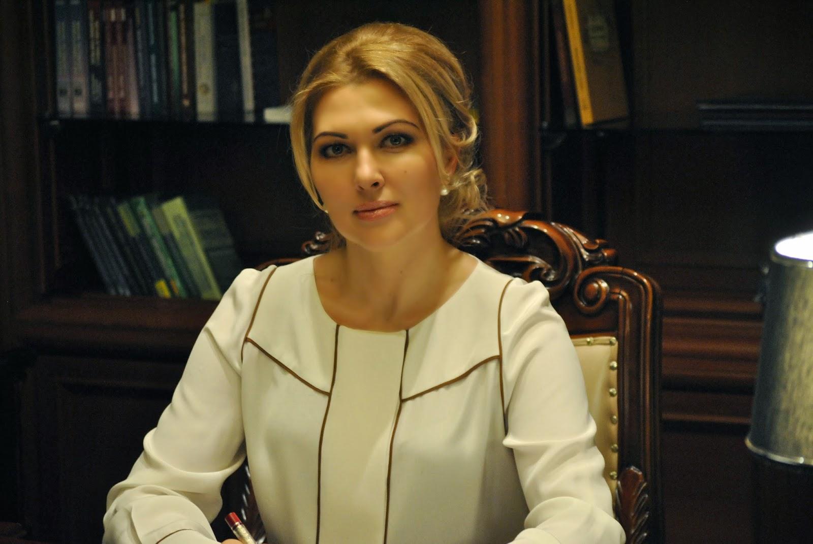 Гламурная одесская судья задекларировала пять шуб, два «Ролекса» и много золота
