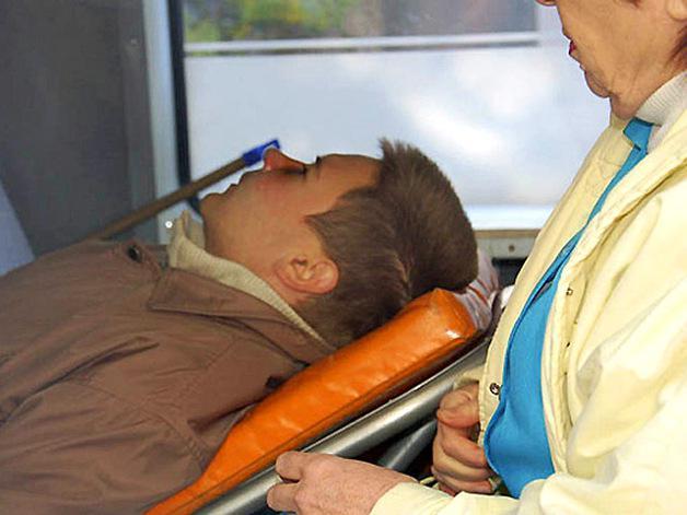 Житель Марьинки во время обстрела получил ранение головы