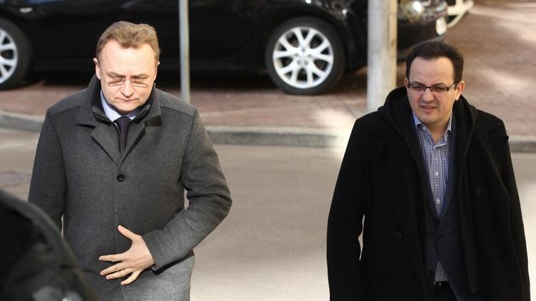 Кто кого: между Садовым и людьми президента начинается война (фото)