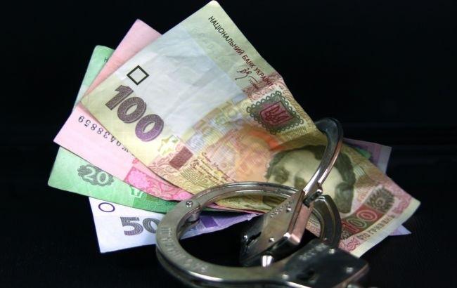 Вот так попались: украинских чиновников поймали на краже 350 000 гривен