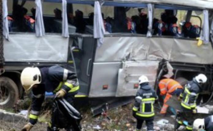 Печальная новость: автобус полный людей перевернулся: все погибли (фото)