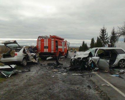 Под Ивано-Франковском случилось жуткое смертельное ДТП: опубликовано фото