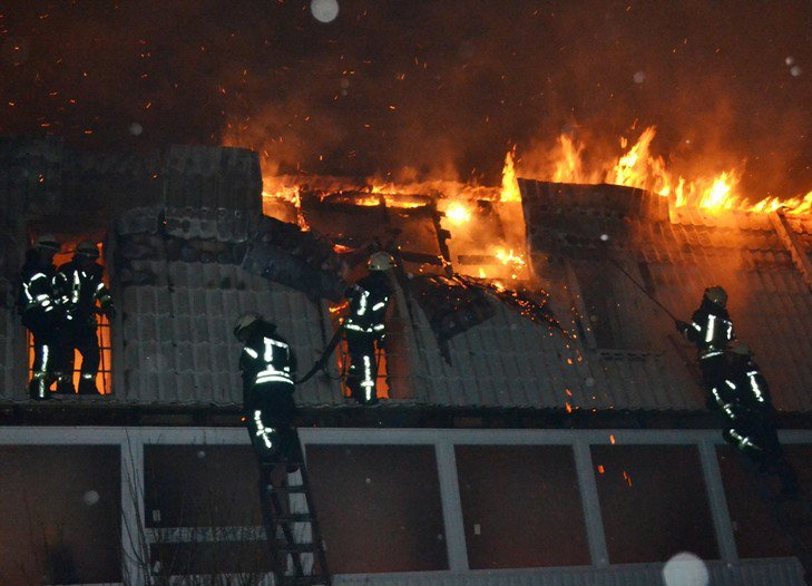 Трагедия в Одессе: в новостройке сгорело десять квартир. Есть впечатляющие ФОТО, ВИДЕО