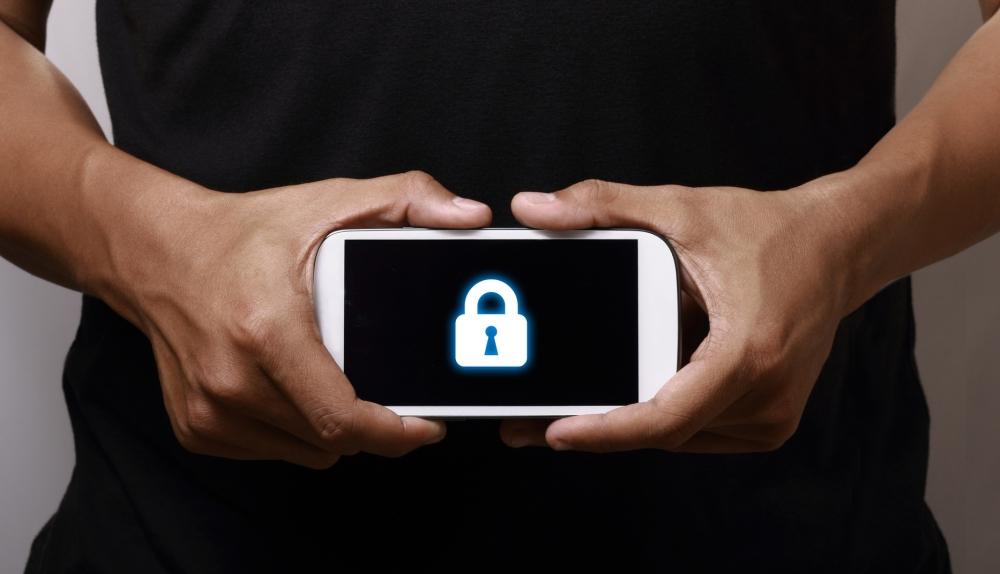 Внимание! Ваш телефон следит за каждым вашим движением! Вот как это отключить!