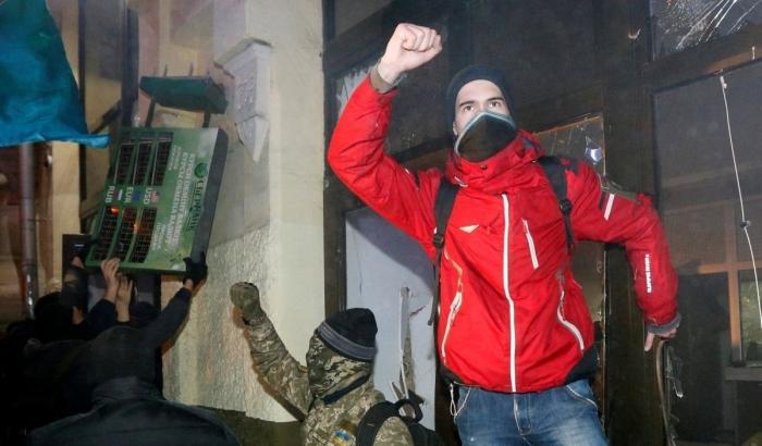 Среди громивших офис Медведчука был замечен нардеп-радикал Мосийчук