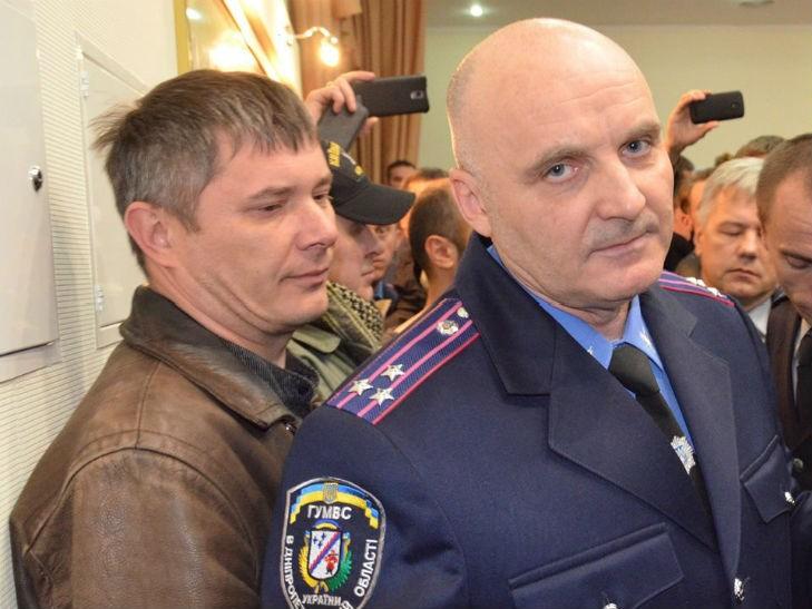 Черкащане выгнали одиозного полковника Лютого из управления полиции в Черкассах