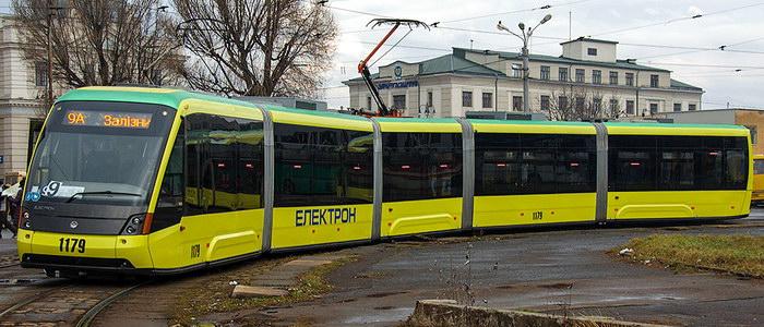 Как Львовские депутаты в трамвае ездили — такое не каждый день увидишь (фото)