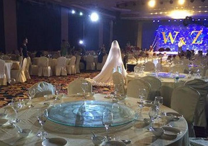 Свадьба без гостей: как молодожены праздновали событие сами. Сеть в шоке