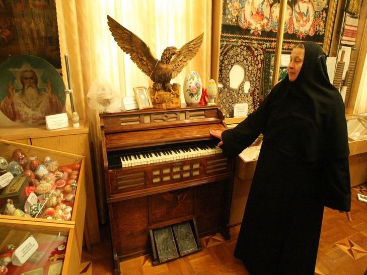 На Ровенщине в женском российском монастыре загадочно погиб мужчина
